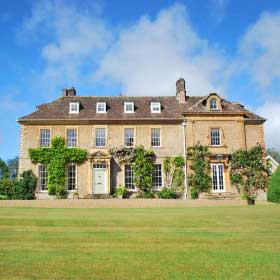 Big weekends in large uk country houses the big cottage for Big houses in the country