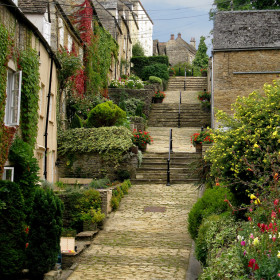 Ride, shoot, walk and enjoy this Cotswold idyll